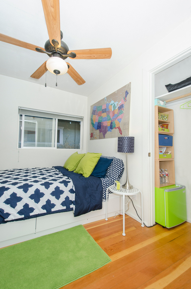 Dog-friendly Airbnb rental in downtown Fort Collins, Colorado.  Close to CSU campus and downtown Fort Collins.